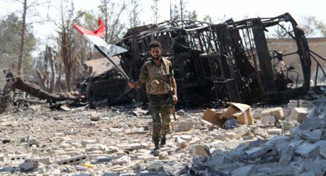Quan doi Syria gianh quyen kiem soat don vi phong khong o Aleppo - Anh 1