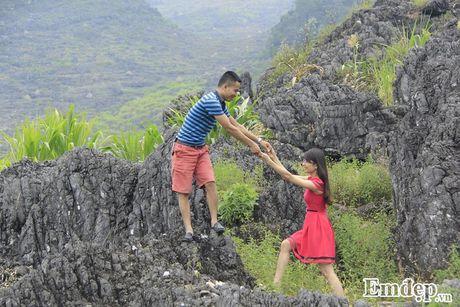 Chang 'phi cong' cau hon bang nhan kim cuong tren deo Ma Pi Leng - Anh 3