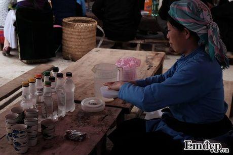 Chang 'phi cong' cau hon bang nhan kim cuong tren deo Ma Pi Leng - Anh 7
