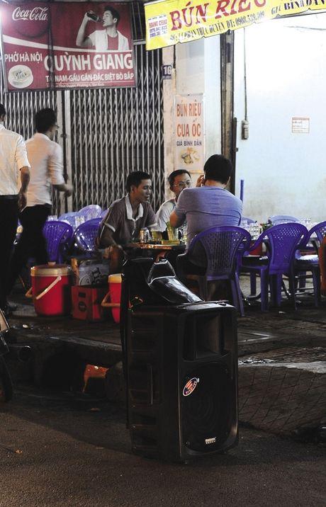 """Ngap nuoc, tieng on, o nhiem de doa cuoc song tot dep cua cu dan Sai Gon: """"Tieng on"""", ke sat nhan giau mat - Anh 5"""