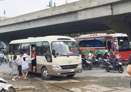 """Hai phuong an de """"dep"""" xe khach trai quy hoach - Anh 1"""