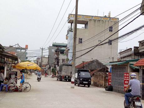 Duong be tong nong thon moi nat tuom vi 'co han su dung' o Thanh Tri - Anh 13