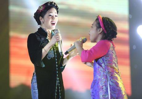 Liveshow 6 Giong hat Viet nhi 2016: Thuy Binh gay nao loan truong quay, Noo Phuoc Thinh bat khoc - Anh 14