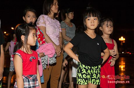 Soi dong dem Party Zumba tai thanh pho Vinh - Anh 2