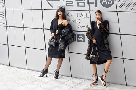 Lan Khue, Quynh Mai hoa quy co dai cac tren duong pho Seoul - Anh 2