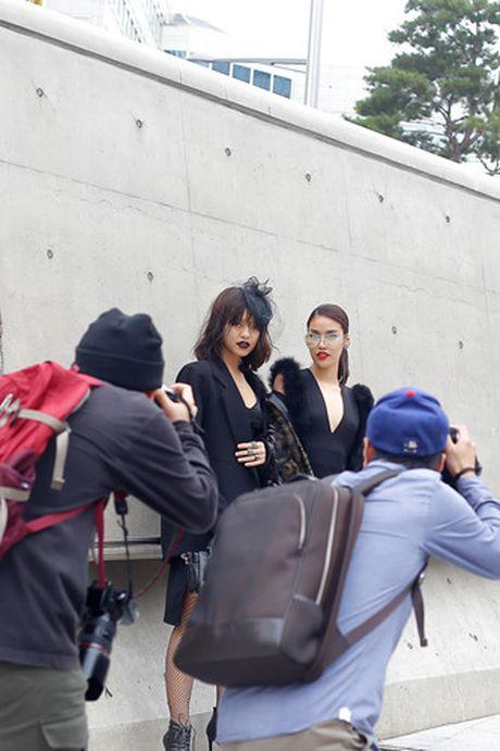 Lan Khue, Quynh Mai hoa quy co dai cac tren duong pho Seoul - Anh 4