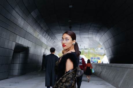 Lan Khue, Quynh Mai hoa quy co dai cac tren duong pho Seoul - Anh 6