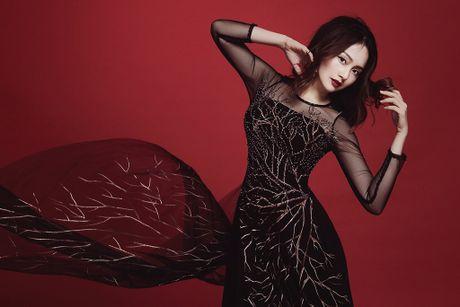 Lan Phuong ma mi trong ao dai chu de Halloween - Anh 1