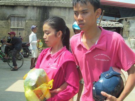 Chua Tu Van ho tro nguoi dan vung lu Quang Binh - Anh 2