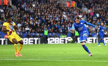 Thang de Crystal Palace, Leicester tam thoat vung lay - Anh 14