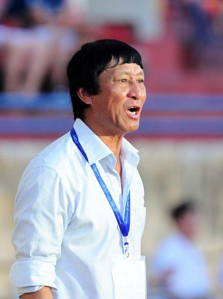 HLV Vu Quang Bao: U19 cua ta cu binh tinh, co hoi se den - Anh 1