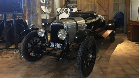 Kho bau 'bi mat' cua Aston Martin - Anh 2