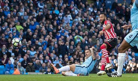 Man City 0-1 Southampton: Dia chan o Etihad (H2) - Anh 1