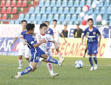 Dan em Cong Phuong bi chia diem tran ra quan giai U21 QG - Anh 1