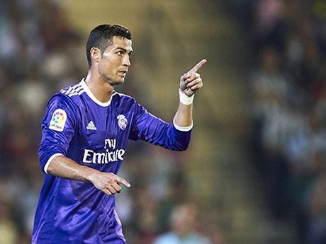 1h45 ngay 24/10, Real Madrid – Athletic Bilbao: Vang Modric, Casemiro, da co... Ronaldo - Anh 1