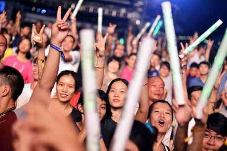 Tung Duong thang hoa, khan gia 'phat cuong' voi Monsoon - Anh 9