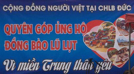 Nguoi Viet tai Duc phat dong keu goi quyen gop, ung ho mien Trung - Anh 3