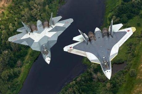 Tiem kich F-35 xoi tai phi doi may bay Nga? - Anh 1