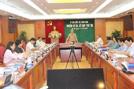 Nguyen Bo truong Vu Huy Hoang bi de nghi canh cao - Anh 1