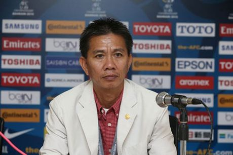 HLV Hoang Anh Tuan he lo bi quyet 'ban ha' U19 Bahrain - Anh 1