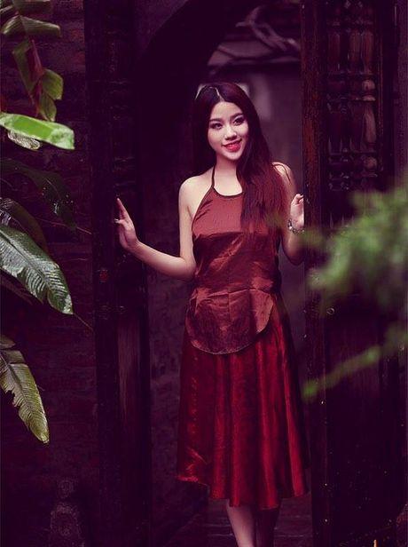'Bong mat' ngam hot girl Linh Miu dien ao yem khoe nguc cang day - Anh 6