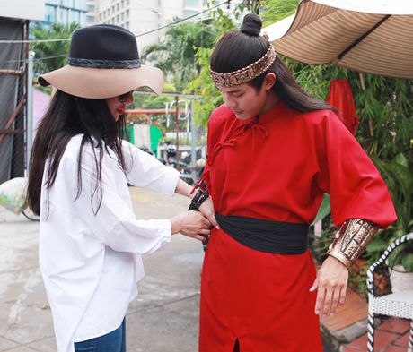 Diep Lam Anh cong khai tinh tu voi 'hau due Thanh Long' - Anh 3