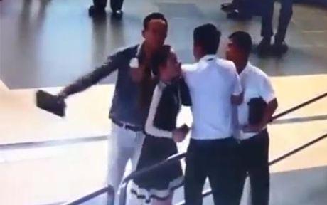 Sa thai nguoi hanh hung nu nhan vien Vietnam Airlines - Anh 1