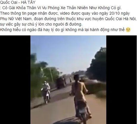Clip co gai Ha Noi khoa than lao xe vun vut 'day song' tren mang - Anh 1