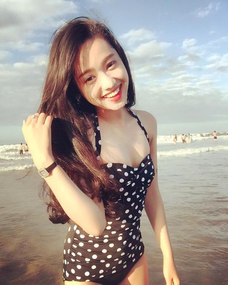 Thuy Vi cong khai 'so ke' vong mot 'khung' voi Ba Tung - Anh 6