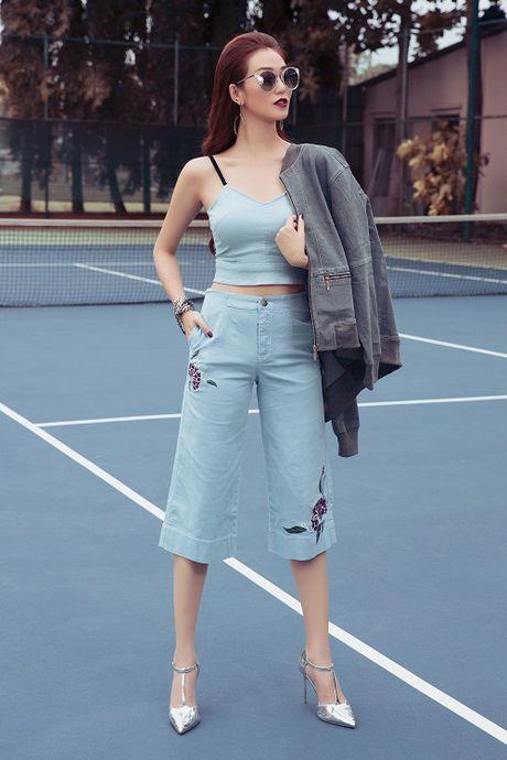 Khanh My tao bao khoe ao nguc tren san bong tennis - Anh 7
