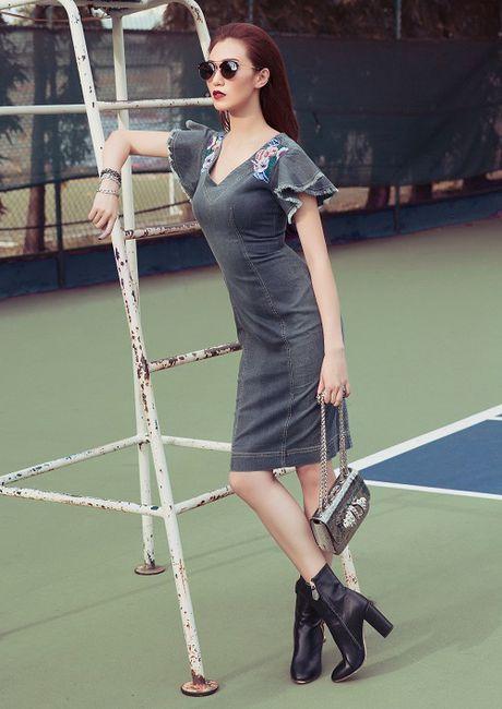 Khanh My tao bao khoe ao nguc tren san bong tennis - Anh 8