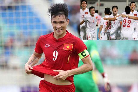 DIEM TIN TOI (24.10): Dai dien AFC tan tay trao qua dac biet cho U19 Viet Nam - Anh 3