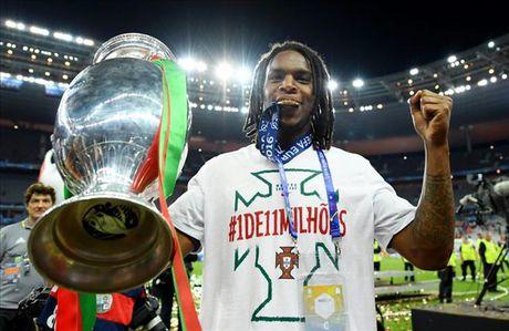 Vuot qua Dembele va Rashford, Renato Sanches doat Golden Boy 2016 - Anh 1