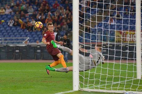 Thang 'nhe' Palermo, AS Roma pha hoi nong vao Juventus - Anh 1