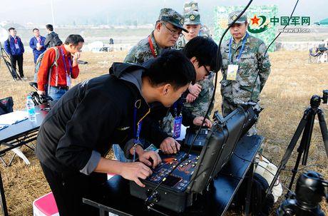 Kinh ngac dan robot chien dau-van tai cua sinh vien Trung Quoc - Anh 6