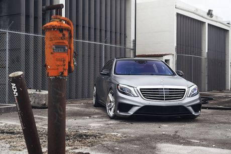Mercedes-AMG S63 'sieu dang cap' voi mam do ADV.1 - Anh 1