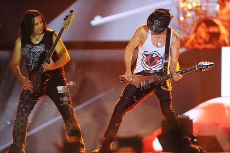 Ban nhac rock Scorpions chay het minh vi khan gia Ha Noi - Anh 4