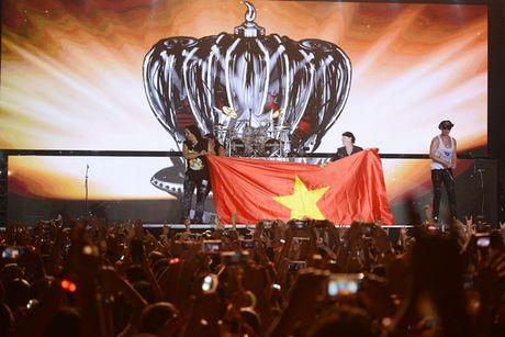 Ban nhac rock Scorpions chay het minh vi khan gia Ha Noi - Anh 5