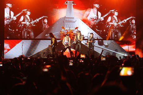 Ban nhac rock Scorpions chay het minh vi khan gia Ha Noi - Anh 8