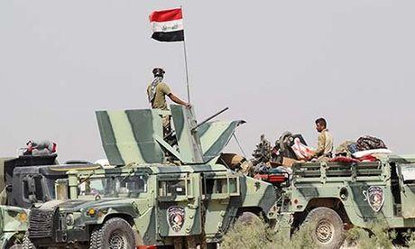 Quan doi Iraq chi con cach thanh pho Mosul 5km - Anh 1