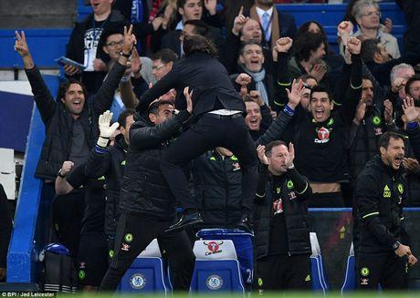 Hai khoanh khac doi lap cua Conte va Mourinho - Anh 1