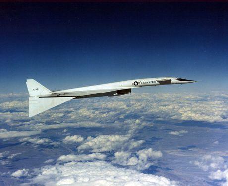 NASA thiet ke dau canh gap mo ngay khi dang bay, giup tang hieu nang va tinh nang cho may bay - Anh 2