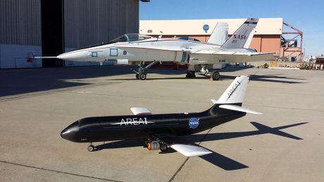 NASA thiet ke dau canh gap mo ngay khi dang bay, giup tang hieu nang va tinh nang cho may bay - Anh 4