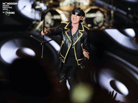 Scorpions dot chay Monsoon Music Festival 2016 - Anh 4