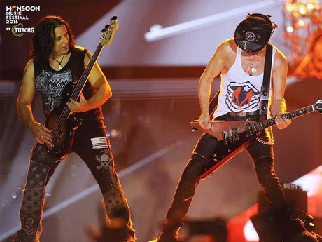 Scorpions dot chay Monsoon Music Festival 2016 - Anh 6