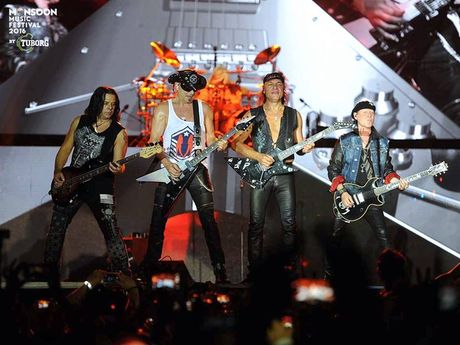 Scorpions dot chay Monsoon Music Festival 2016 - Anh 7