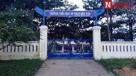 Thua Thien - Hue: Giao vien gioi tinh, co so thich danh dap hoc sinh - Anh 4