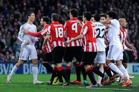 7 nam o Real, chua bao gio Ronaldo khoi dau te hai den the - Anh 2