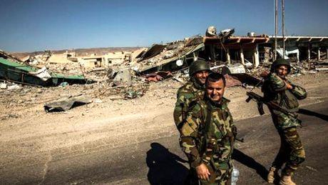Iraq: Chien dich tai chiem Mosul gap tro ngai - Anh 1