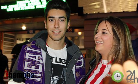 Noi buon Ronaldo & nu hon cua fan nu xinh Bilbao - Anh 2